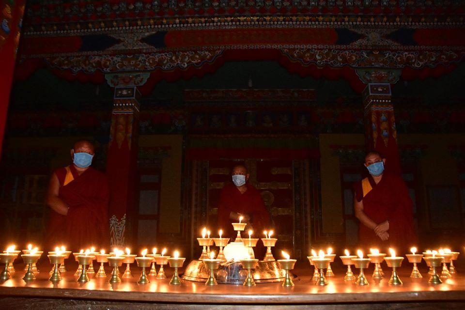 Tibet.de Mönche Sera Corvid 19