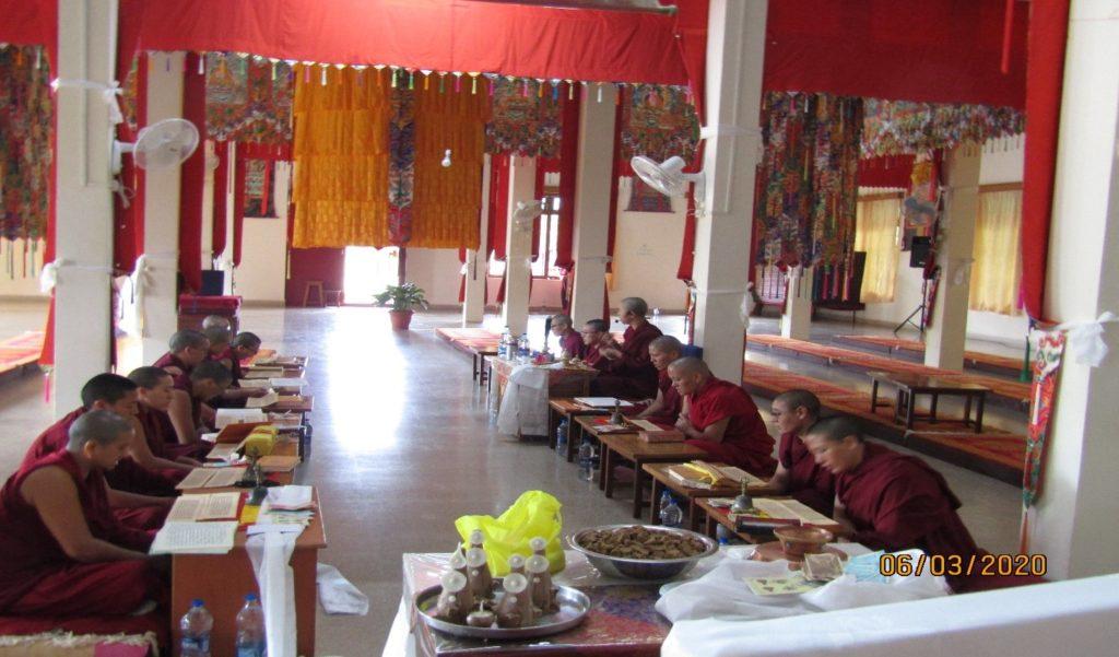 Tibet.de Nonnen Tara Gebete