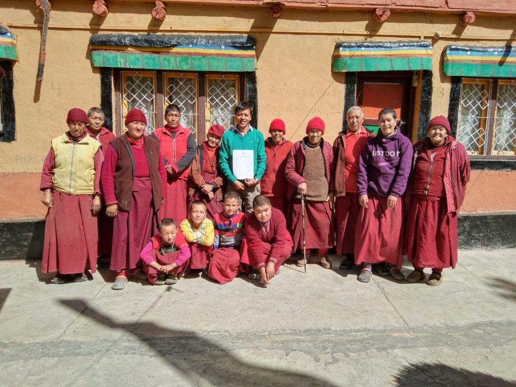 Nonnen des Changchub Chöling Kloster Wakha/ Ladakh Tibet.de