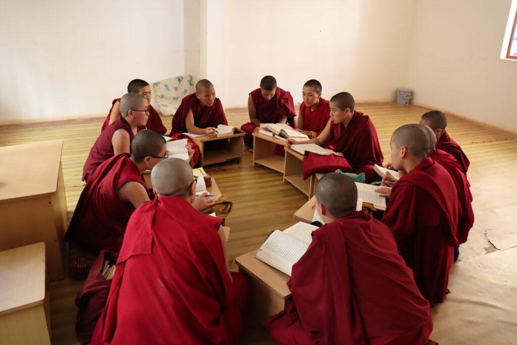 Tibet.de Nonnen Patenschaften Bildung Frauen